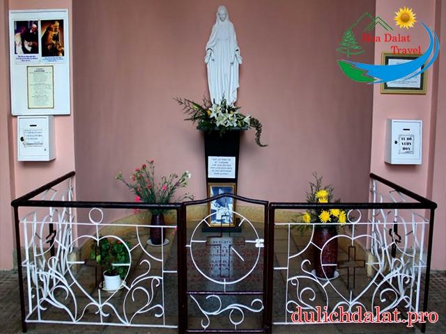 NHÀ THỜ LÃNH ĐỊA ĐỨC BÀ - DOMAIN DE MARIE