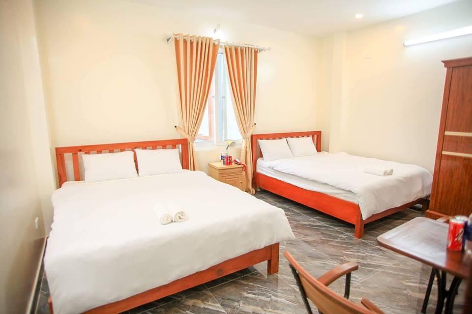 Phòng 3 người khách sạn Hoàng Phong
