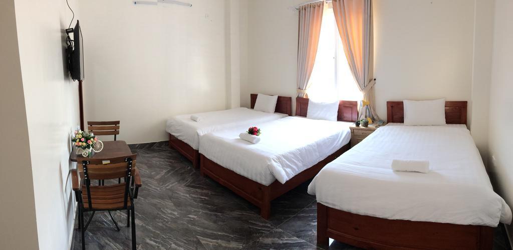 Phòng view hướng núi khách sạn Hoàng Phong
