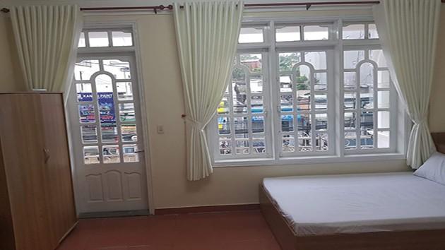 Khách Sạn Nhân Anh