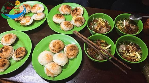 Review Bánh Căn Nhà Chung