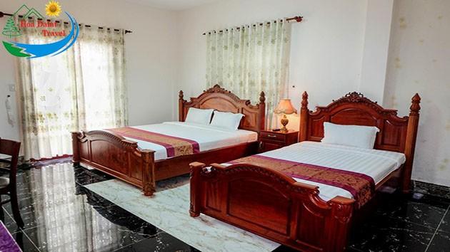 Phòng 3 Khách Tại Khách Sạn Đông Dương