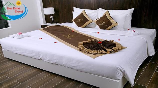 Phòng 1 Giường Tại Khách Sạn Minh Chiến