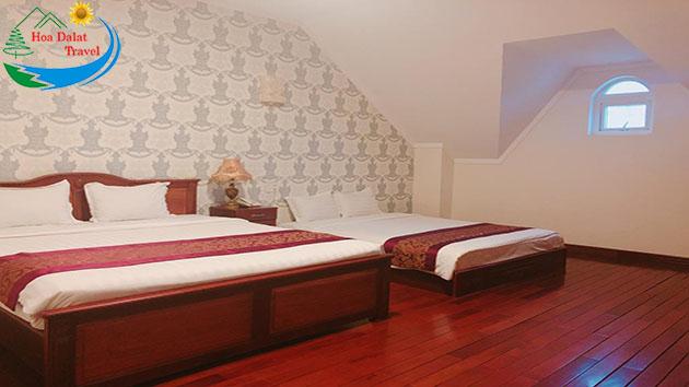 Phòng Deluxe 3 Khách Tại Khách Sạn Đông Dương