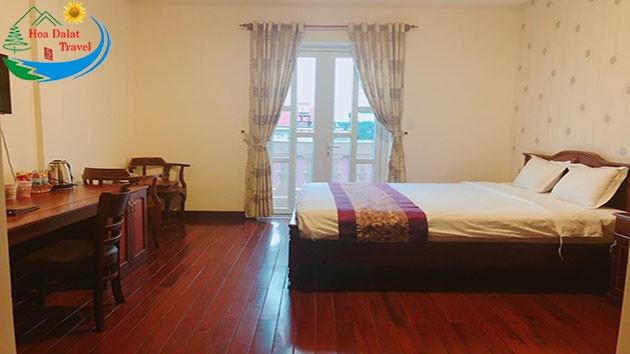 Phòng Deluxe Tại Khách Sạn Đông Dương