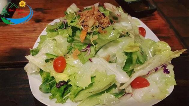 Salad Tại Quán Xưa Đà Lạt