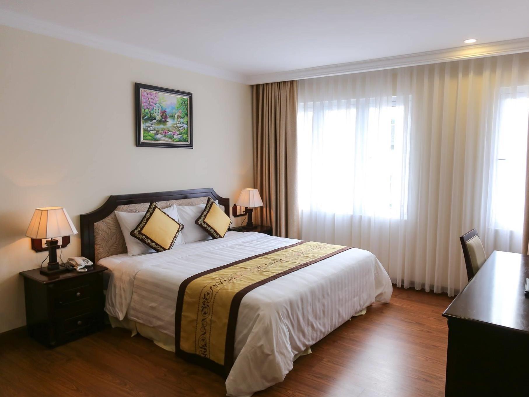 Phòng khách sạn Iris