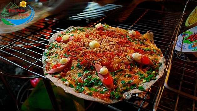 Bánh tráng nướng món ăn vặt trứ danh tại Đà Lạt